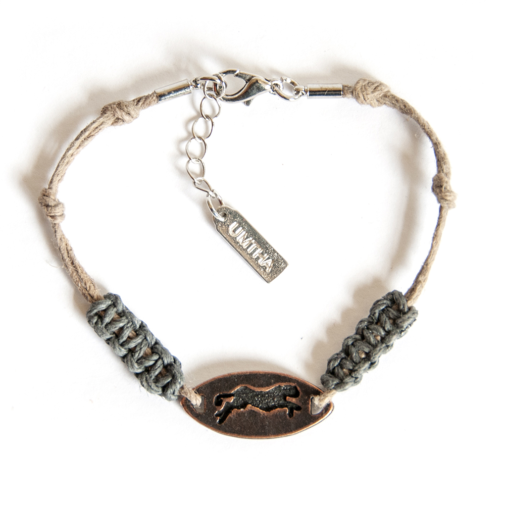 Hemp and macrame knotted bracelet, with engraved cheetah copper disc - BRAS08