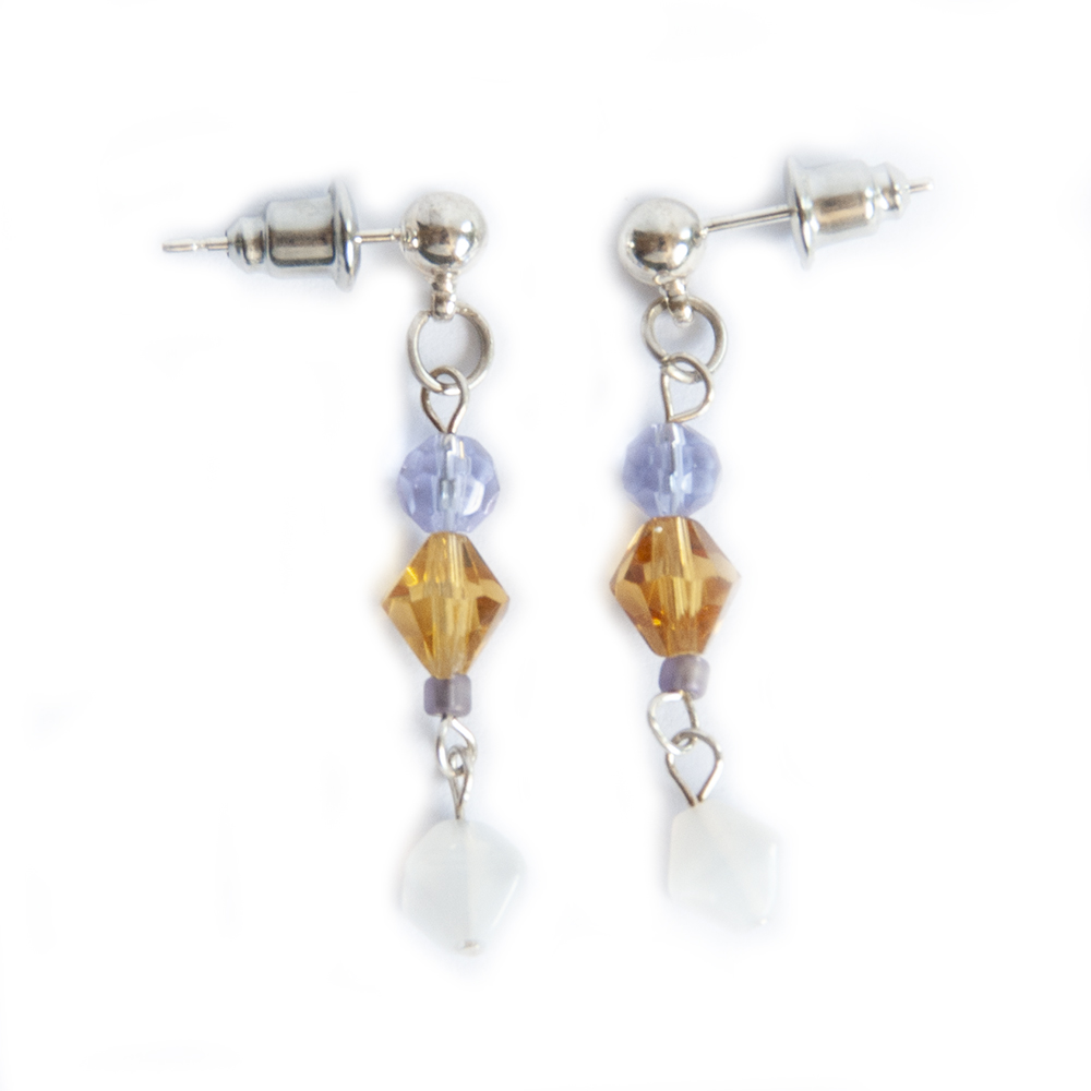 Delicate facetted glass diagonal earrings